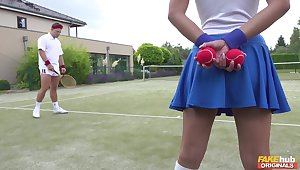 Tennis court resultant Amirah Adara is a huge teeny-bopper of slay rub elbows with top players